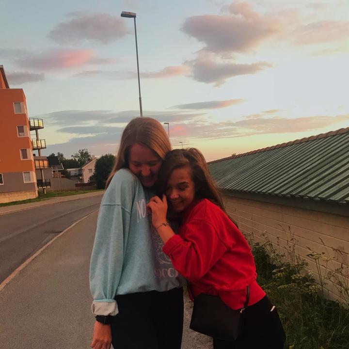 noraandmelinda - We are best friends