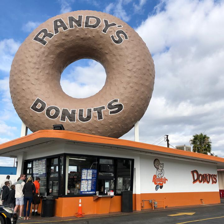 Randy's Donuts - randysdonuts