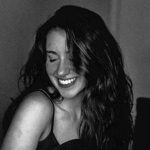 Giovana Camile