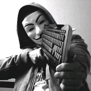 Um...anonimo...mascarado