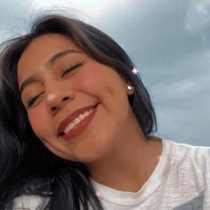 Jenny Hoyuelitos